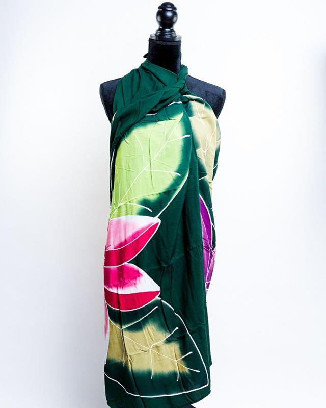 Deze sarongs hebben we zelf laten maken.